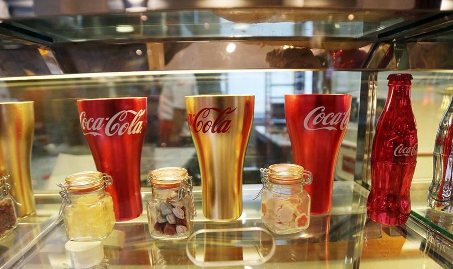 به دیدن اولین رستوران کوکاکولا جهان بیایید