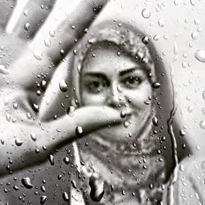 عکس های آزاده نامداری بدون چادر و شایعه مهاجرتش ؛ جنجالی بیپایان برای یک مجری