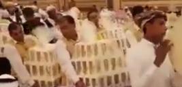 عروسی لاکچری سعودی/ پخش آیفون 8 بین مهمانها