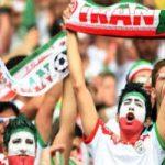 تجمع هواداران ایرانی مقابل هتل تیم ملی و واکنش ملی پوشان