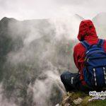 کوهنوردی پسر جوان با کفش پاشنه بلند 12 سانتی متری!