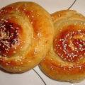 طرز تهیه نان شیرمال بسیار خوشمزه در خانه