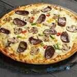 پیتزا هات با سس مخصوص!