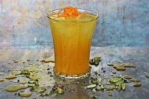 طرز تهیه شربت زعفران مخصوص نذری در ماه محرم +عکس