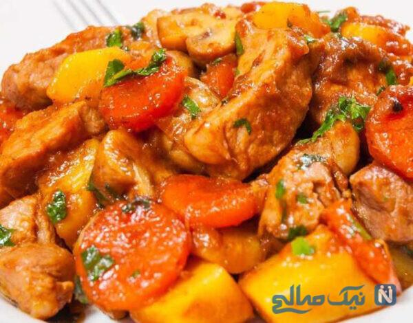 خوراک مرغ با زردچوبه