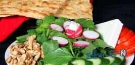 صبحانه ایرانی نان و پنیر و سبزی را مدرن تهیه کنید