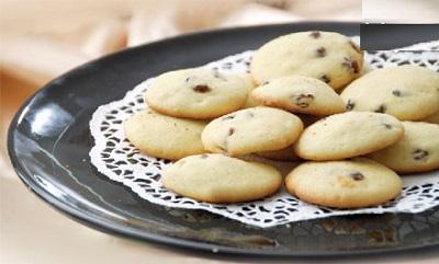 نان کشمشی ، میان وعده مقوی و لذیذ برای دانش آموزان! +عکس