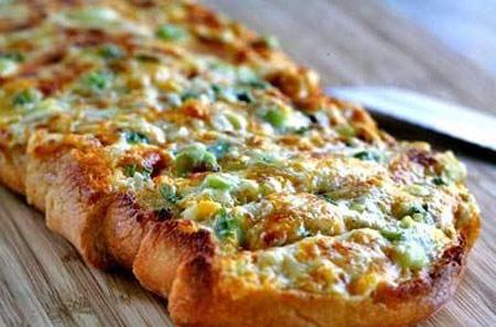 طرز تهیه نان پنیری لذیذ در ۱۰ دقیقه! +عکس