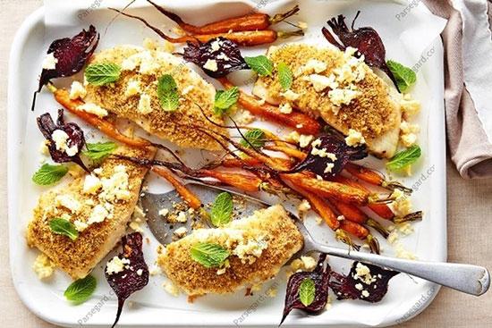 ماهی سوخاری سالم و خوشمزه با دورچین سبزیجات +عکس