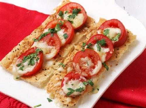 نانهای کاسه ای خوشمزه با تارت گوجه فرنگی!+عکس