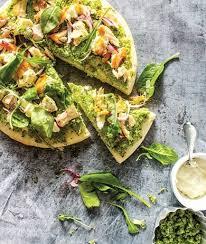 پیتزای سبز با ماهی، غذای یک ساعته! +عکس