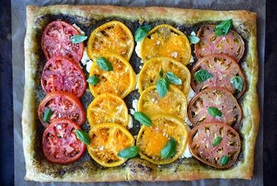تارت گوجه فرنگی و پنیر ، بسیار آسان و خوشمزه! +عکس
