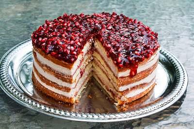 کیک فوری انار برای پذیرایی از مهمانان ویژه+عکس
