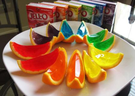طرز تهیه زله رنگین کمانی در فنجان پرتقالی + تصاویر
