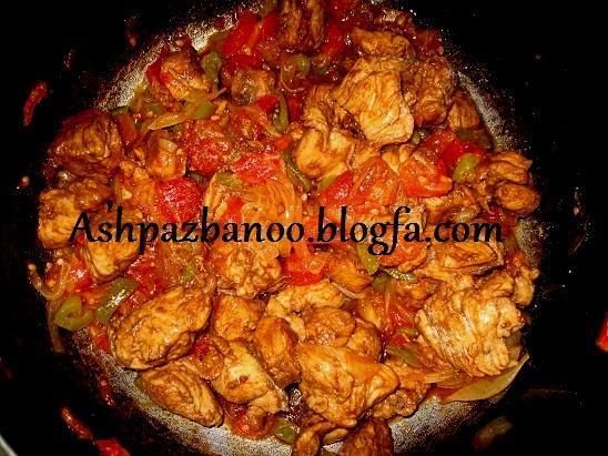 طعمی بسیار لذیذ در خوراک مرغ با رب انار +عکس