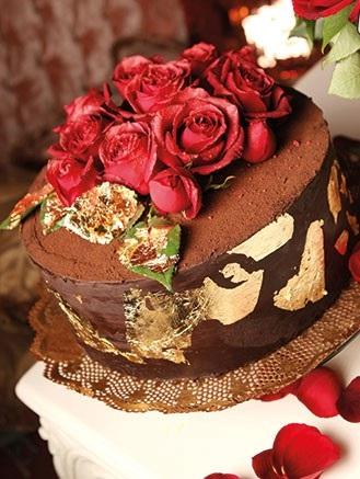 بهترین طعم دنیا با کیک فندق و شکلات تلخ!+عکس