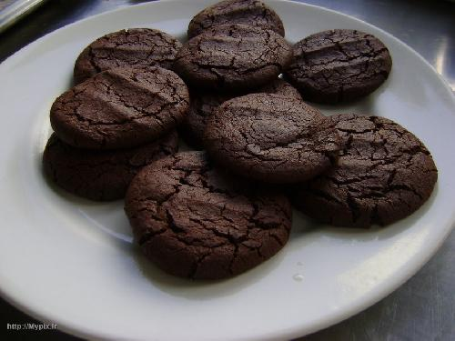 چگونه کلوچه شکلاتی خانگی تهیه کنیم؟!+عکس