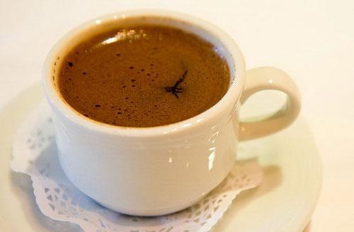 نحوه صحیح دم کردن قهوه ترک +عکس