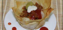 مافین گوشت و سبزیجات با خمیر یوفکا , میان وعده ای سالم و لذیذ! +عکس