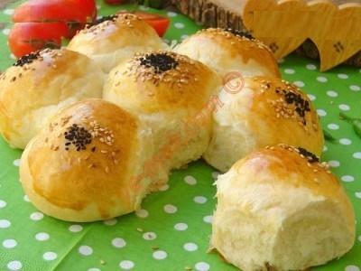 نان نرم و خوشمزه خانگی با آب معدنی!+عکس