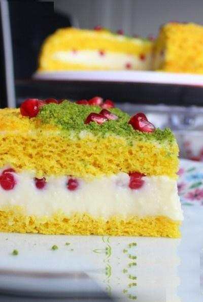 کیک خوشرنگ و خوشمزه با زردچوبه!+عکس