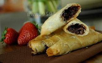 روش تهیه نان خرمایی خوشمزه با خمیر یوفکا + عکس