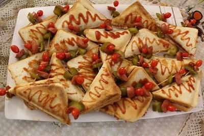 یه ساندویچ شیک و لذیذ با نان تست! +عکس
