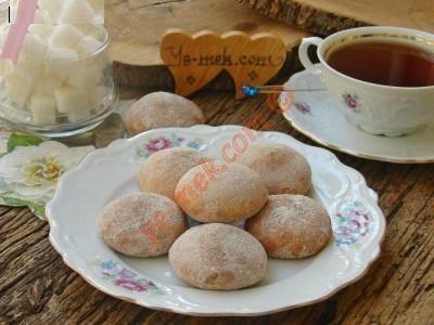 شیرینی لذیذ با رویه پودر قند و دارچین!+عکس
