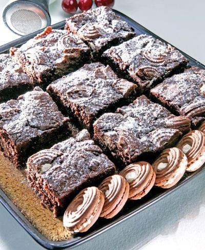 کیک شکلاتی با بیسکویت کرمدار!+عکس