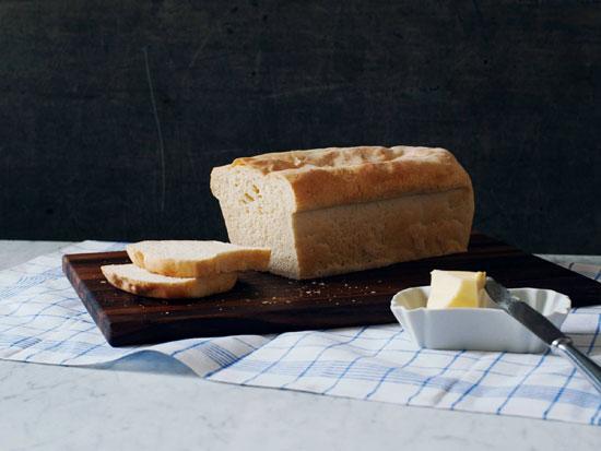 طرز تهیه نان سفید خانگی با عطر مخصوص اش! +عکس