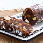 طرز تهیه کیک شکلاتی با گردو  کیک خوشمزه شبیه کالباس! +عکس
