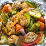 طرز تهیه خوراک مرغ و سبزیجات در فویل ، بدون نیاز به روغن +عکس