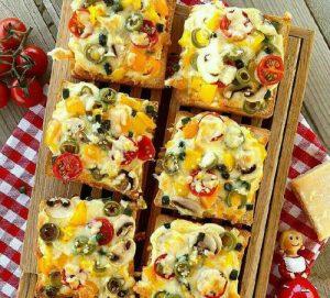 طرز تهیه پیتزا فوری با نان تست