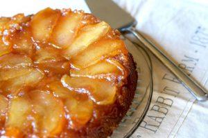 طرز تهیه کیک سیب