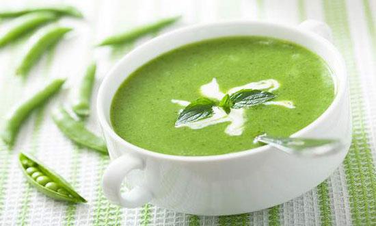 طرز تهیه سوپ سبز یک سوپ خوشمزه با کلی مواد سبز +عکس