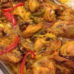 طرز تهیه بهترین مرغ زعفرانی در فر +عکس