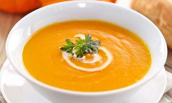 طرز تهیه سوپ پیاز و سیب زمینی با چاشنی پرتقال +عکس