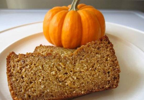 طرز تهیه نان کدو حلوایی برای صبحانه +عکس