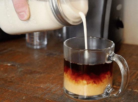 طرز تهیه خامه مخصوص قهوه در خانه +عکس