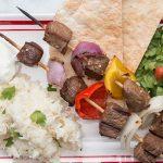 طرز تهیه کباب چنجه با سس سیر ، روشی جدید برای پخت کباب +عکس