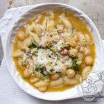طرز تهیه سوپ پاستا و نخود ، سوپ کم خرج و سریع +عکس