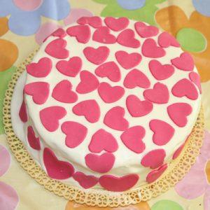 طرز تهیه کیک قلبی عاشقانه