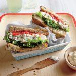 طرز تهیه ساندویچ فوری برای شام خانمهای کارمند