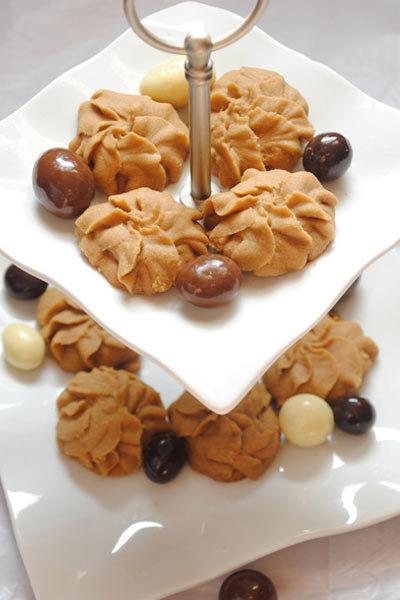طرز تهیه شیرینی نسکافه ای مخصوص عید نوروز +عکس