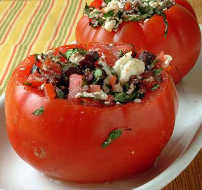 طرز تهیه سالاد گوجه فرنگی شکم پر