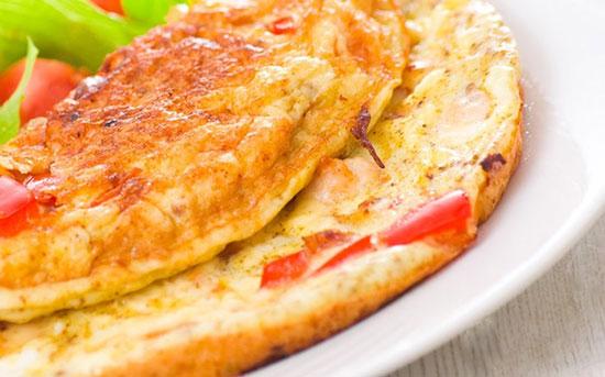 طرز تهیه املت پنیر و گوجه فرنگی