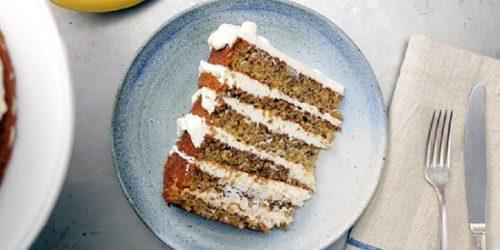 طرز تهیه کیک موزی با خامه پنیری