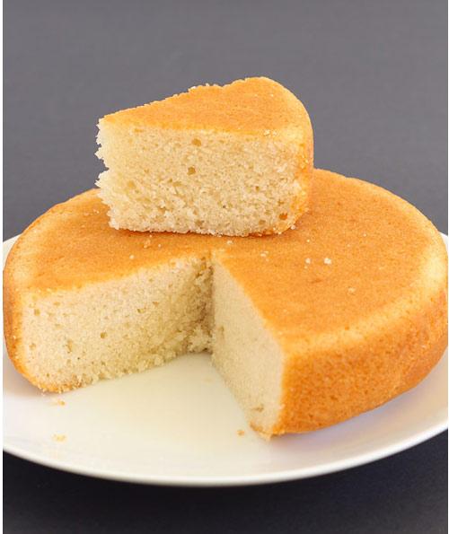 کیک اسفنجی وانیلی