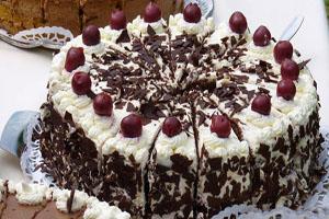 کیک بلک فارست یا جنگل سیاه