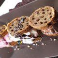 ساندویچ شکلات بستنی , شیرینی خوشمزه و تابستانی